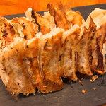 スタンドシャン食 TOKYO恵比寿 Champagne & GYOZA BAR -