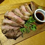 89677198 - LEGADOランクイベリコ豚 肩ロース 150g(富士山麓の溶岩焼き)