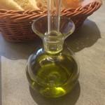神戸イタリアン KIZUNA - オリーブ油