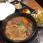焼肉 龍 - 牛すじ煮込み定食 600円
