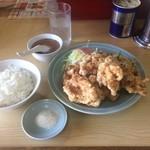 八宝飯店 - 料理写真:カラアゲ定食には魔法の粉