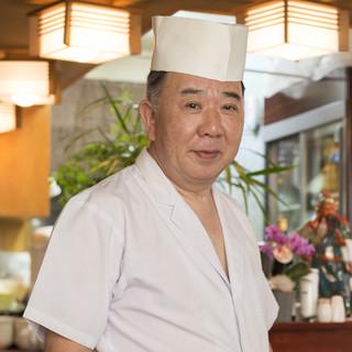 齋藤永徳氏(サイトウナガノリ)─伝統的な北京料理を受け継ぐ