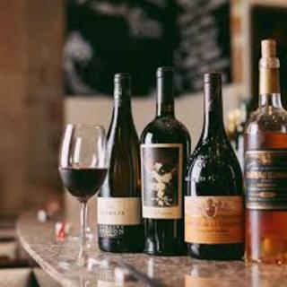 ワインの種類が豊富!!赤白常時50種類以上!!