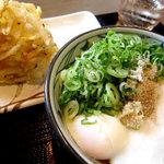 丸亀製麺 - とろたまに野菜かき揚げのコンビネーション 野菜の甘みと半熟卵のとろとろととろとろの〜