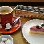 喫茶&軽食 ブリヤン カフェ - [料理] ケーキセット 全景♪w