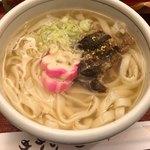 甘味おかめ - 豚きしめん 860円。