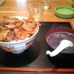 中華シゲタ - 肉丼普通盛り¥550