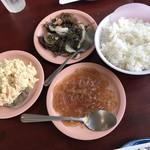 89700519 - 副菜3皿とご飯