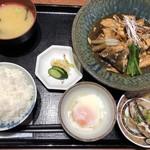 博多割烹 凜屋 - ◆あらだき定食(1000円::税込)・・あらだき・温泉卵・鰯の煮物・ご飯・香の物・お味噌汁など。