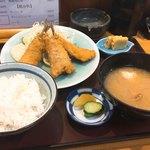 横田食堂 - アジフライ定食 850円