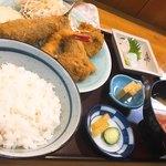 横田食堂 - ミックスフライ定食 1350円