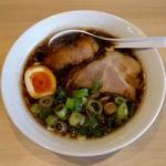 ブラザー - 料理写真:濃混醤油ら~めん(680円)