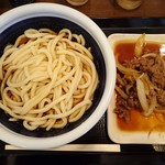 丸亀製麺 - 牛山盛りうどん・冷(得)…税込840円