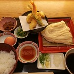 89709984 - 自分で盛り付けて作る肉玉ご飯と、ざるうどん天ぷら定食1,000円