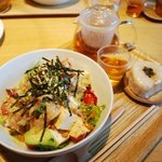 シンシアガーデンカフェ - 納豆・お豆腐・アボカドの和風サラダ