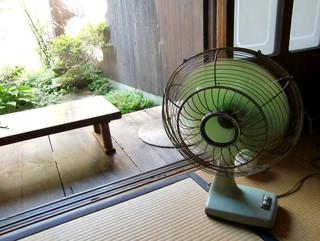 町家喫茶 三宅商店 - <7月>レトロな扇風機