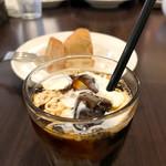 ワイン&お野菜バル ベジバル - ビュッフェのアイスコーヒー