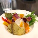 ワイン&お野菜バル ベジバル - ビュッフェのサラダ