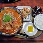 三宝亭 - 料理写真:肉盛り味噌らーめん & 餃子3個セット