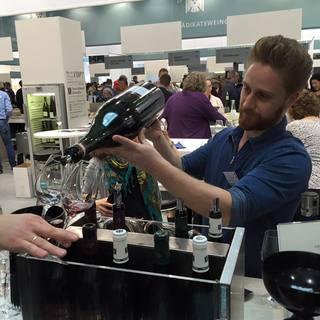 海外研修でチョイスしたオススメワインをグラスでもOK!