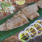 バンゲラズ キッチン - ラワフライ(カレイ)