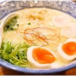 89719697 - 味玉入り濃厚鶏白湯(こってり) 870円 ぽってり濃厚♪