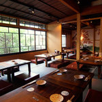 博多 弁天堂 - 2階の座敷は、最大60名様までの宴会が可能!お部屋ごとに20名様個室にも!