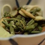 晩杯屋 - 山菜(蕎麦入り)