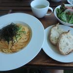 マリーナ&グリル - 料理写真:ランチの日替わりパスタ(アスパラと明太子のパスタ)セット