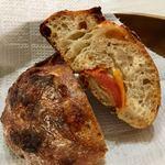 パンやきどころ RIKI - セミドライトマト・チーズ・あらびきソーセージ