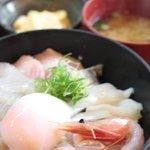 活魚料理 いし田 - 海鮮丼