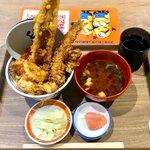えびのや - 「穴子天丼」(1080円税別)。