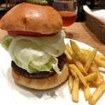 Bistro MULCHEE 大手町店 - MULCHEE Burger ¥1,100