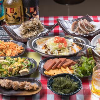 沖縄ならではの料理が盛りだくさん!!