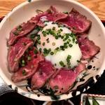 阿吽亭 - 和牛タタキ丼定食