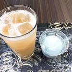 オーチャードカフェ - ドリンク写真:生ジュース桃、ラムネジェラート