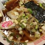 駅前ラーメン - ラーメン(500円)