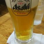 東秀 - 生ビール。もう少し入れてくれ(笑)。