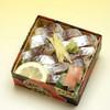 修善寺駅弁 舞寿し - 料理写真:伊豆近海の地鰺を酢で軽く〆め、ショウガを刻んで載せました。 松崎の櫻の葉漬の、さわやかな風味が楽しめます。静岡産のこしひかり、伊豆の鯵、伊豆松崎の桜葉、伊豆天城の山葵。伊豆のこだわりの幸をご賞味ください。