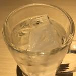 鮮魚 個室居酒屋 竹蔵 - トニックウォーター。       美味し。