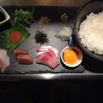 棲家 - 二度美味しい海鮮丼(〆に出汁をかけてお茶漬け風に!)