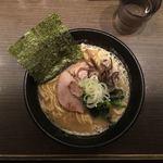 びし屋 - 豚骨醤油らーめん 並(150g) 680円
