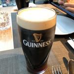 AWkitchen TOKYO - ビールのアップ