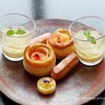 ザ タヴァン グリル&ラウンジ - Peach Afternoon Tea