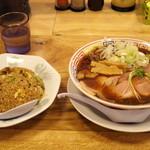 サバ6製麺所 - 料理写真:2018年7月 サバ醤油ソバ半チャーハンセット(900円)