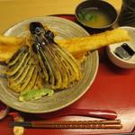 天ぷら やす田 - オプションの茄子@200円を追加した穴子天丼@1000円(税込み)