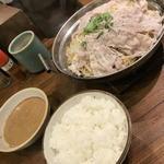 豚々亭 - 麺入り豚もやし定食