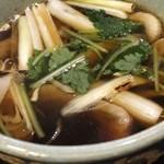 太宗庵 - 鴨汁には焼葱と三つ葉もたっぷり