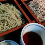 新宿 そば蔵 - 二色そば(青じそ蕎麦と信州そばのセット)