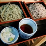 Shinjukusobakura - 二色そば(青じそ蕎麦と信州そばのセット)